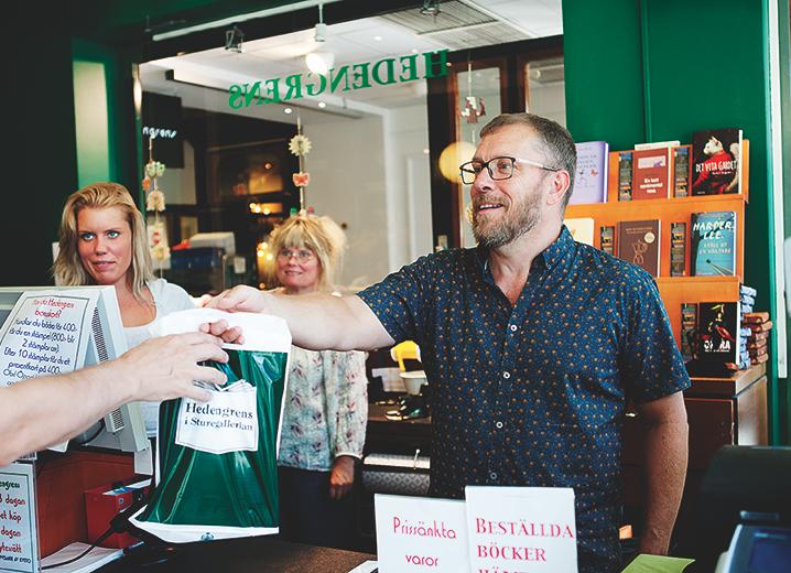 Nicklas Björkholm äger Hedengrens bokhandel.