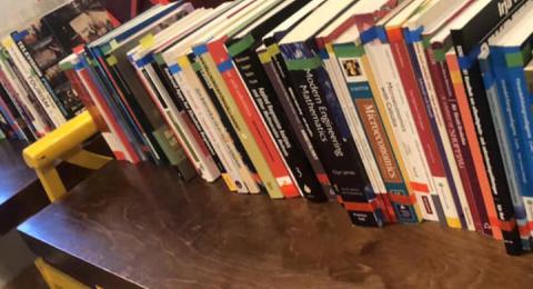 Stockholms studentbokhandel stänger